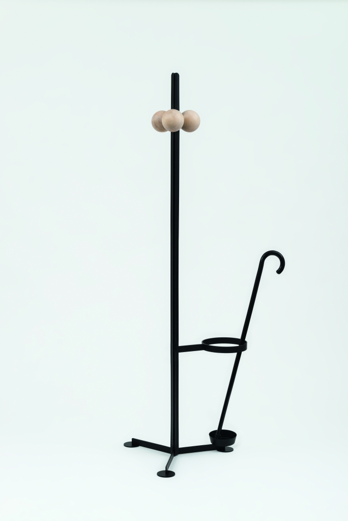 Familia Coat Hanger_High_002