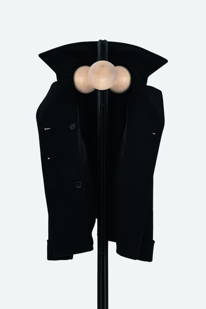 Familia Coat Hanger_High_008