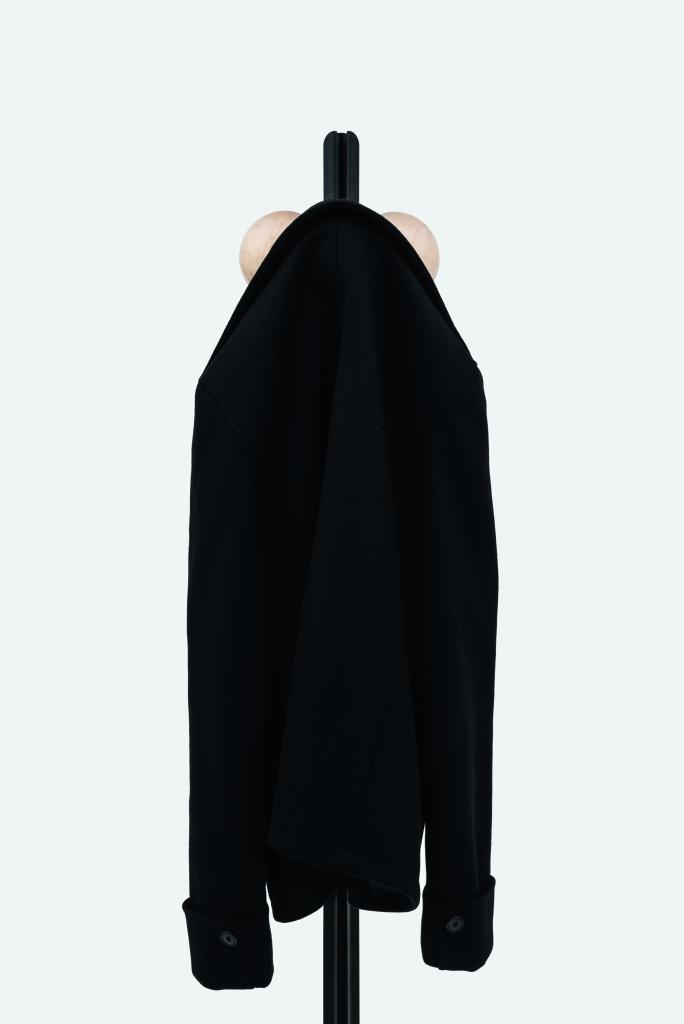 Familia Coat Hanger_High_010